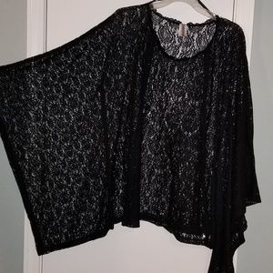 Yummy Plus Black Lace Poncho with Batwing Sleeves